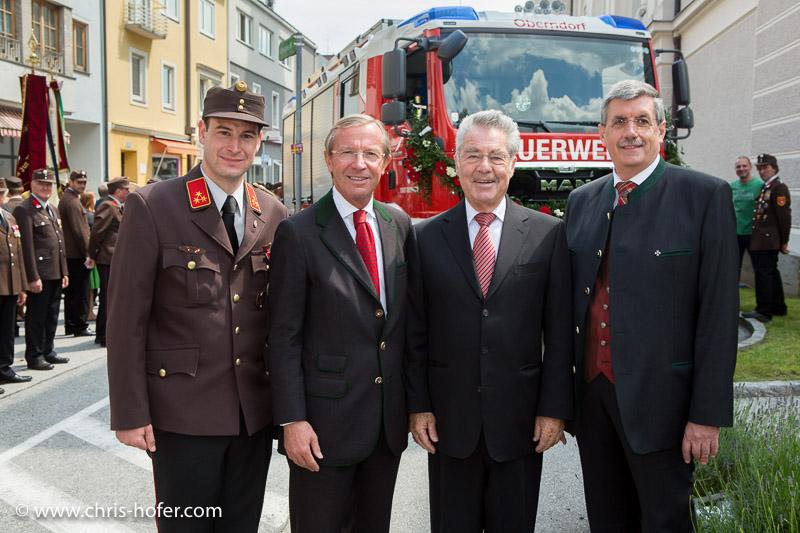 150 Jahre Freiw. Feuerwehr Oberndorf, 2014-06-01; Foto: Chris Hofer; Bild zeigt: Kommandant Andreas Pitter (FW Oberndorf), LH Wilfried Haslauer, BP Heinz Fischer, Bgm. Peter Schröder