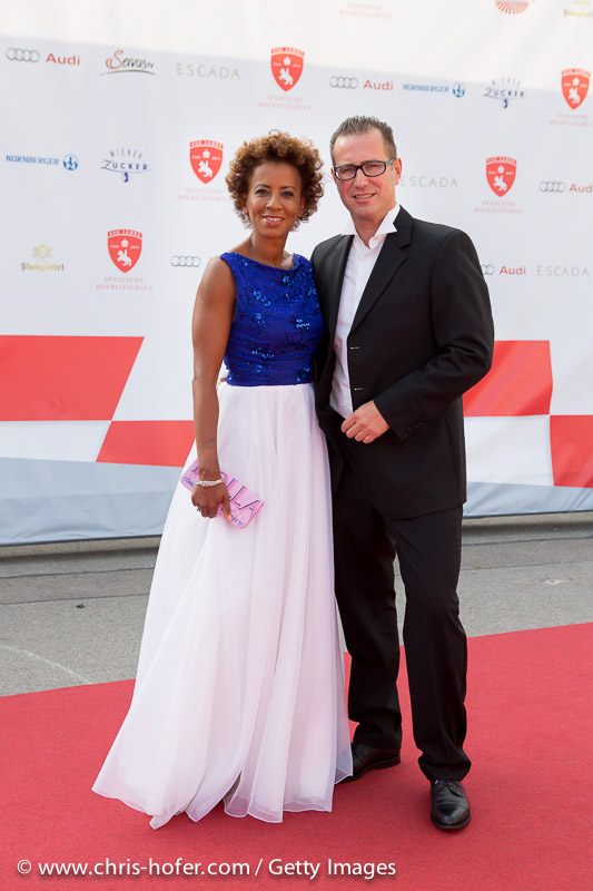 VIENNA, AUSTRIA - JUNE 26: Arabella Kiesbauer with her husband Florens Eblinger attend the gala event 450 years Spanische Hofreitschule on June 26, 2015 in Vienna, Austria.  (Photo by Chris Hofer/Getty Images)