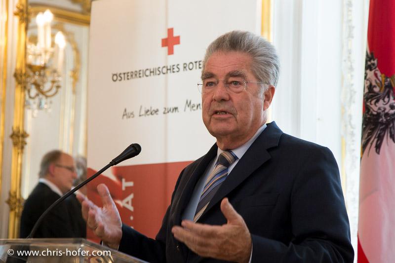 Ehrung einer Delegation des Österr. Roten Kreuz - Blutspender, Präsidentschaftskanzlei Hofburg Wien, 2015-06-24, Foto: Chris Hofer