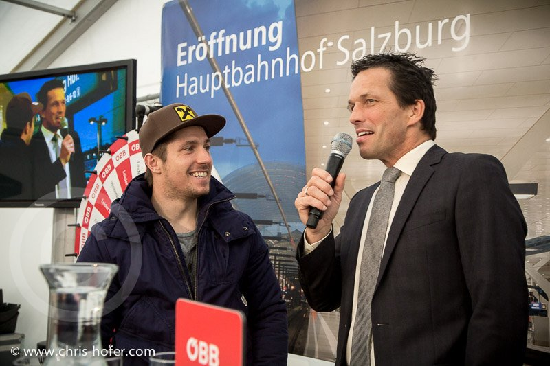 Feierliche Eröffnung des Hauptbahnhof Salzburg, 2014-11-07, Foto: Chris Hofer, Bild zeigt: Marcel Hirscher auf der Bühne