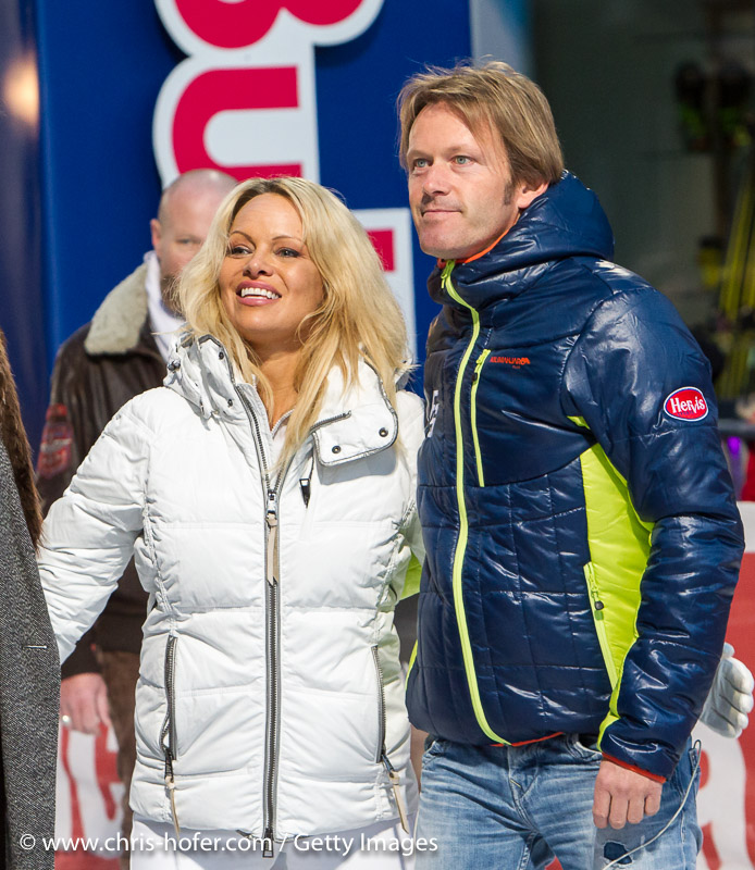 SAALBACH-HINTERGLEMM, AUSTRIA - DECEMBER 05:   Pamela Anderson and event promoter Andy Wernig during the third and final day of the Formula Snow 2015 ski opening on December 5, 2015 in Saalbach-Hinterglemm, Austria.  (Photo by Chris Hofer/Getty Images)