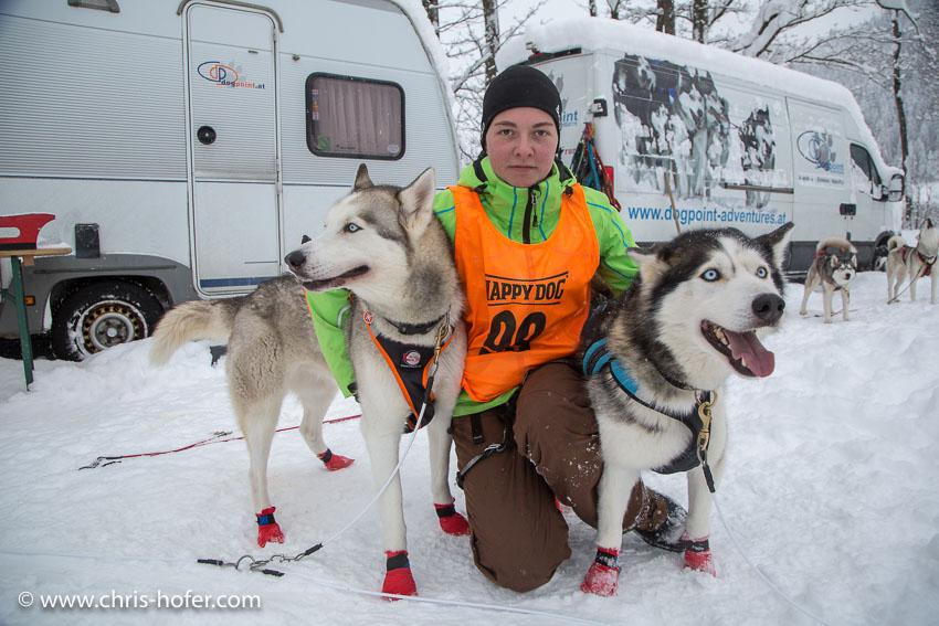 Hundeschlittenrennen Werfenweng 08.01.2017 Foto: Chris Hofer Bild zeigt: Lisa Klaushofer (Königswiesen OÖ)