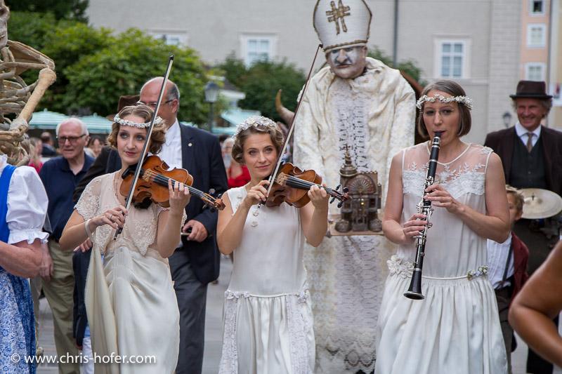 Salzburger Festspiele 2015, Umzug zur Jedermann-Aufführung am Domplatz, 2015-07-26, Foto: Chris Hofer