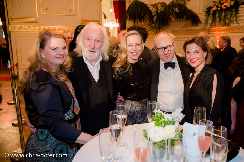 VIENNA, AUSTRIA - MARCH 19: Ulrike Beimpold, Karl Merkatz, Nino Proll, Simon Schwarz and Kristina Sprenger attend Karl Spiehs 85th birthday celebration on March 19, 2016 in Vienna, Austria. (Photo by Chris Hofer/Getty Images)