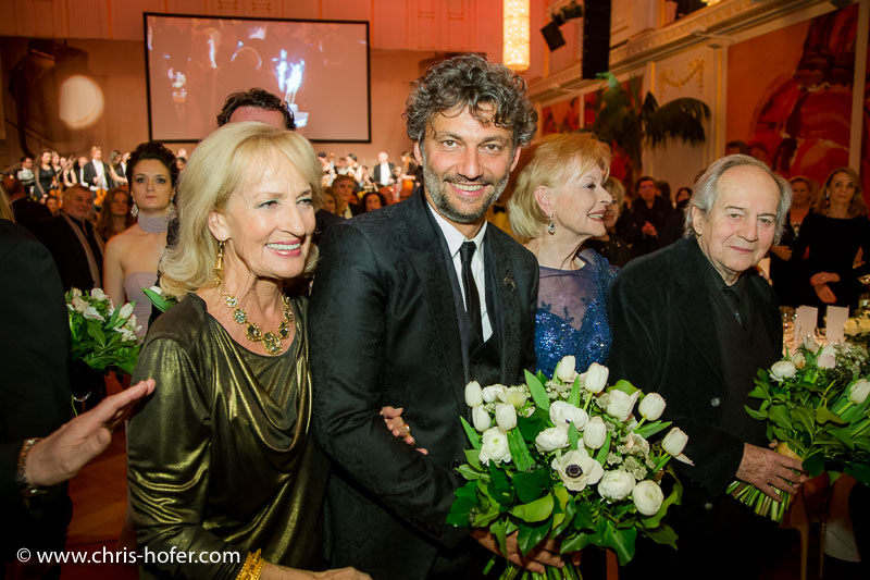 VIENNA, AUSTRIA - MARCH 19: Dagmar Koller, Jonas Kaufmann, Angelika Spiehs and Otto Schenk attend Karl Spiehs 85th birthday celebration on March 19, 2016 in Vienna, Austria. (Photo by Chris Hofer/Getty Images) *** Local Caption *** Dagmar Koller; Jonas Kaufmann; Angelika Spiehs; Otto Schenk
