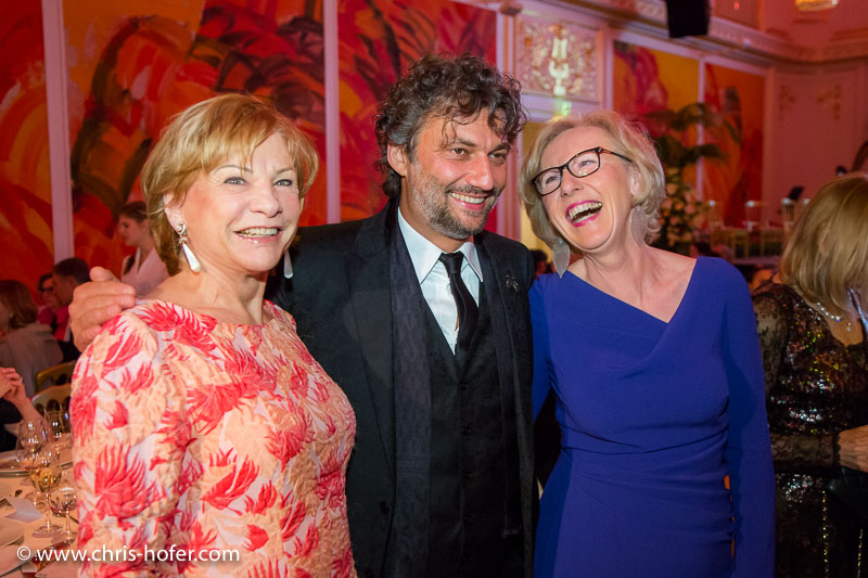 VIENNA, AUSTRIA - MARCH 19: Angela Wepper, Jonas Kaufmann and Anita Wepper attend Karl Spiehs 85th birthday celebration on March 19, 2016 in Vienna, Austria. (Photo by Chris Hofer/Getty Images)