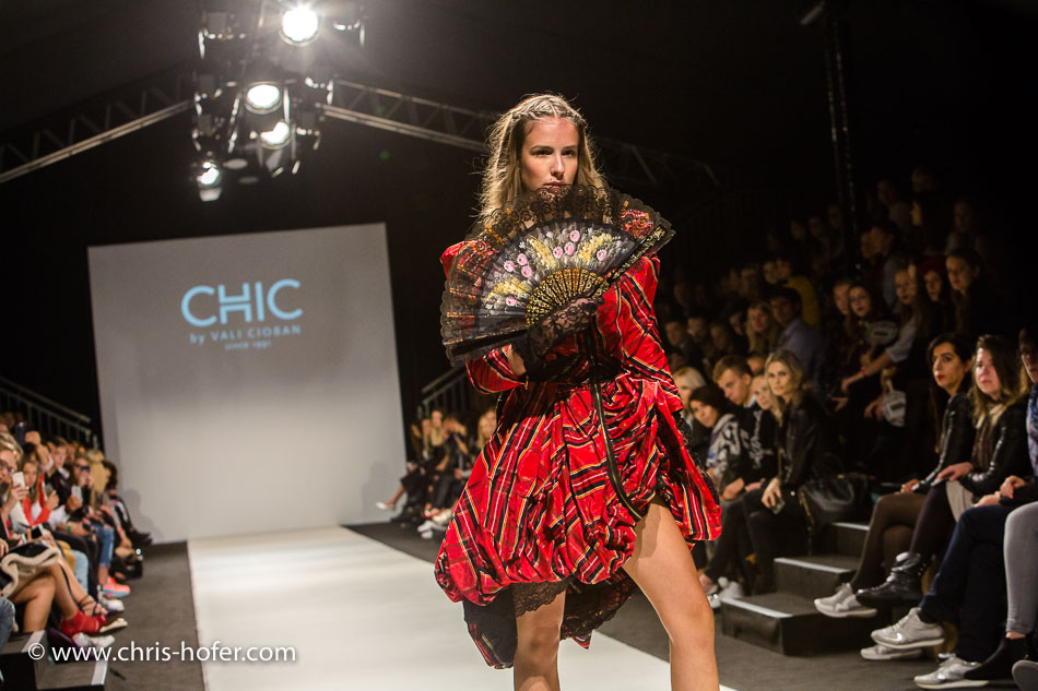 Vienna Fashion Week 2017, Designer: CHIC BY VALI CIOBAN, Foto: Chris Hofer Fotografie & Film, www.chris-hofer.com