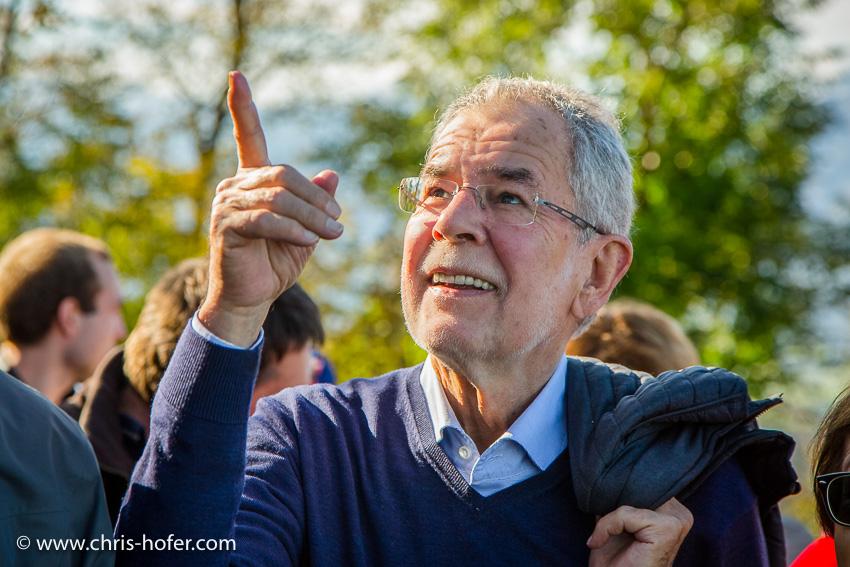 Wanderung am Salzburger Gaisberg mit Bundespräsidentschafts-Kandidat Alexander Van der Bellen 15.10.2016 Foto: Chris Hofer