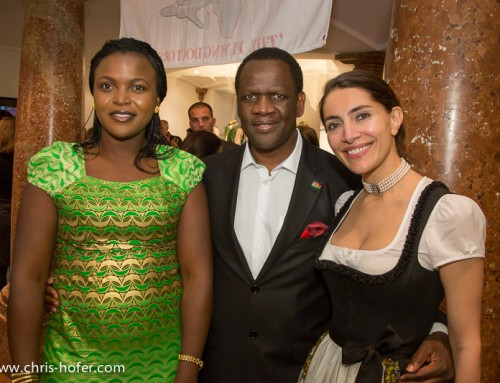 Bilder :: AMREF Black & White Charity 2014